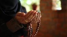 Bacaan Doa dan Dzikir setelah Sholat Fardhu 5 Waktu