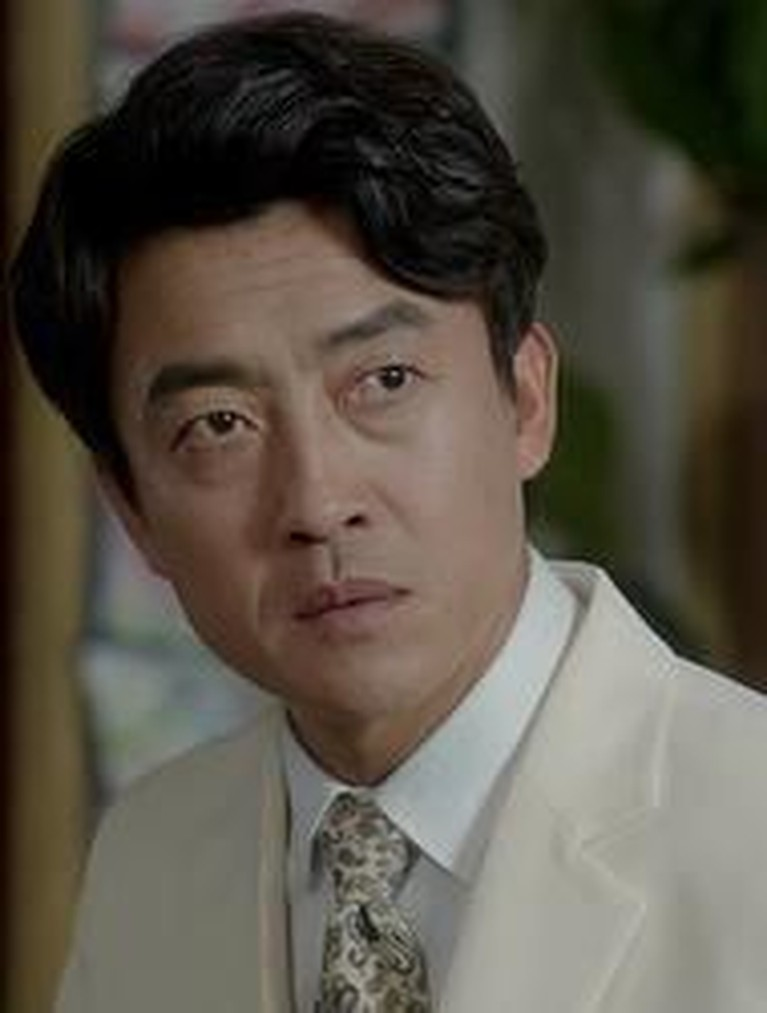 Nama Jang Hyuk Jin semakin bersinar dan berperan di sejumlah drama Korea ternama seperti Hwajung (2015), Beautiful Mind (2016), Romantic Doctor Kim (2016-2017) dan Suspicious Partner (2017).