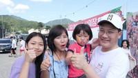 <p>Yannie Kim menikah dengan pria asal Korea Selatan (Korsel), Ko Incheol, pada 2004 silam. Mereka dikaruniai dua anak perempuan, Ko Soobin dan Ko Eunbi. (Foto: Instagram @yannie_kim)</p>