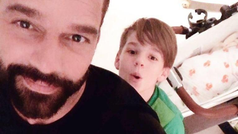 Sebelumnya, Ricky Martin dan pasangannya Jwan Yosef telah memiliki 3 orang anak.