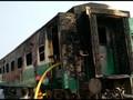 VIDEO: Kebakaran Kereta di Pakistan Tewaskan Puluhan Orang
