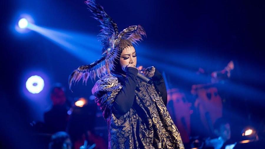 Curhat Sedih Melly Goeslaw Lihat ART Nike Ardila Jadi Pemulung