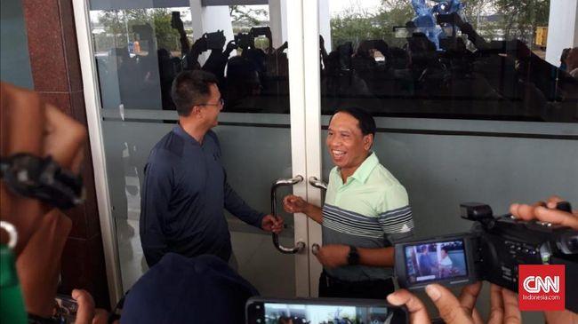 Fraksi Golkar DPRD Surabaya menganggap Pemkot Surabaya telah melakukan pelecehan karena tak memfasilitasi Menpora saat sidak di Stadion Gelora Bung Tomo.