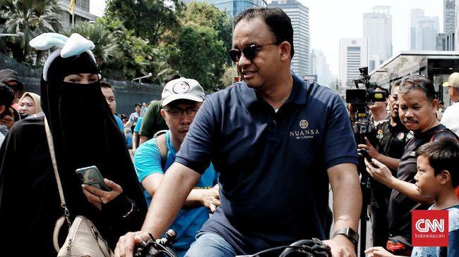 Anies memberi kesempatan bagi PNS dari luar Pemprov DKI Jakarta untuk mendaftar menjadi Kepala Dinas Pariwisata dan Kebudayaan dan Kepala Bappeda DKI Jakarta.