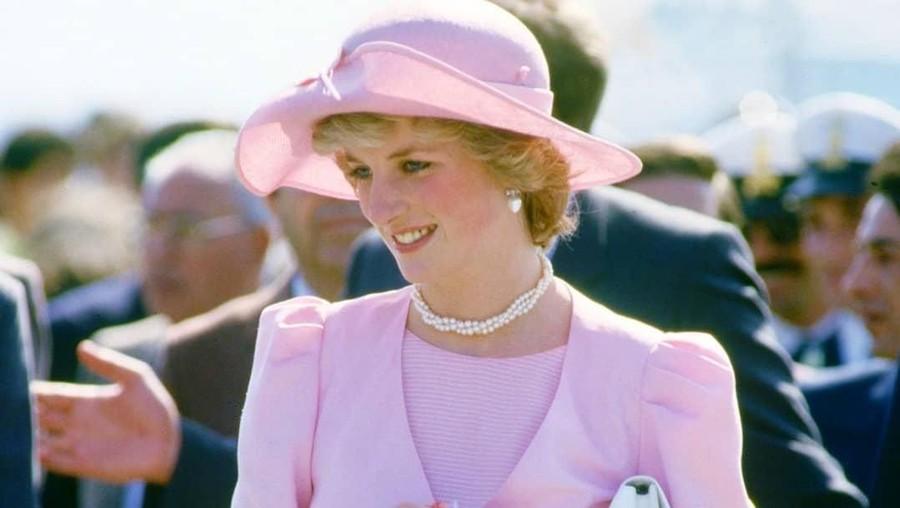 Hari Ini 30 Tahun Lalu, Putri Diana ke Tangerang & Salami Pasien Kusta