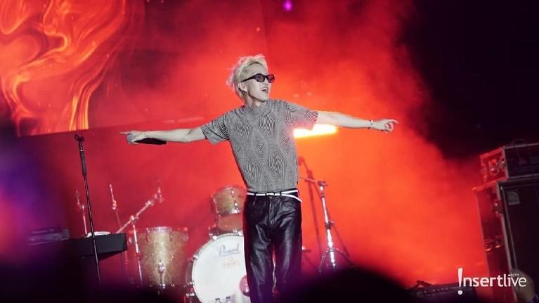 Zion. T belum lama ini tampil di sebuah acara musik di Jakarta. Aksi panggungnya menuai banyak pujian lantaran memukau para penonton.