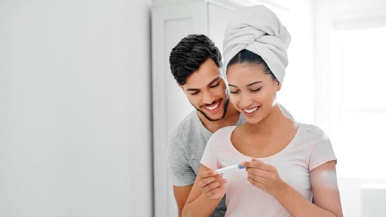 Mencegah kehamilan bisa dilakukan dengan 10 cara aman nih, Bunda. Mau tahu caranya? Langsung cek yuk!