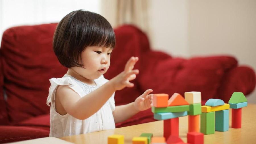 7 Kado Mainan untuk Anak 1 Tahun, Bantu Dukung Tumbuh Kembangnya