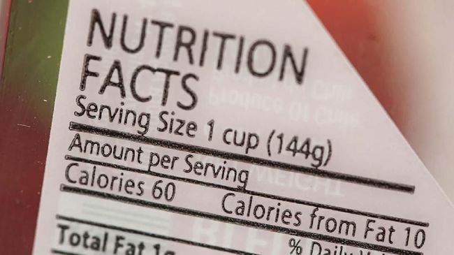 Ketika membeli produk pangan olahan, label pangan tak kalah penting Anda cermati. Kenapa?
