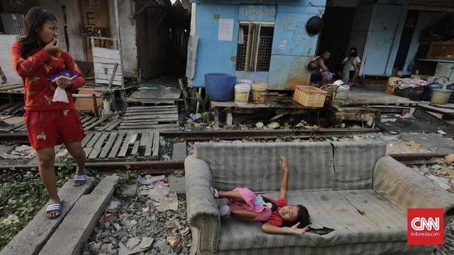 Gubernur DKI Jakarta Anies Baswedan mengatakan rumah adalah salah satu hak mendasar yang harus dimiliki setiap warga.