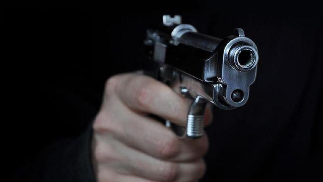 Shooting a gun in night