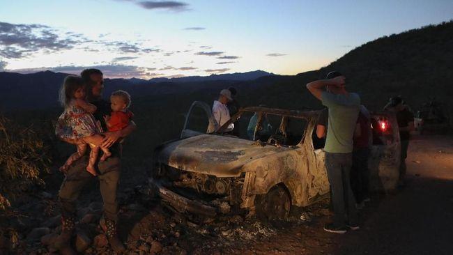 Aparat Meksiko menangkap pimpinan kartel narkoba yang diduga membantai satu keluarga di komunitas Mormon tahun lalu.