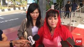 Dewi Tanjung Laporkan Fadli Zon ke MKD soal Like Akun Porno