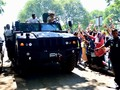 Jokowi Minta Belanja di Pindad, Prabowo Jajal 'Maung'