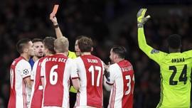 Pelajaran Penting dari Jiwa Besar Ajax Amsterdam
