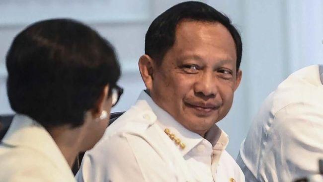 Mendagri Tito Karnavian mengatakan lintas kementerian harus mengambil peran memberikan materi antiradikalisme.
