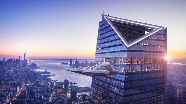 Tak hanya berfoto di dek observasinya. Dari gedung pencakar langit ini pengunjung juga bisa kongko bar, kafe, restoran, sampai kelab malam.
