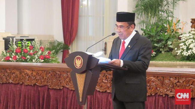 Menag Fachrul Razi menyebut salam ke pemeluk agama lain sudah dicontohkan oleh Nabi Ibrahim, namun pelarangan MUI Jatim soal salam pun tak salah.