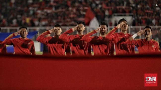 Diketahui ada suporter Indonesia yang memilih boikot dengan tidak datang langsung ke stadion, kendati begitu ada suporter lainnya yang tetap loyal.