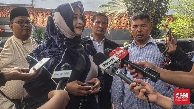 Anggota DPD RI Fahira Idris mengaku akan tetap melaporkan kasus meme Joker meskipun Gubernur DKI bukan Anies Baswedan.
