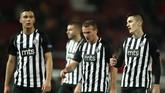 Manchester United melangkah ke babak 32 besar Liga Europa setelah menang telak 3-0 atas Partizan Belgrade dalam laga lanjutan Liga Europa dini hari tadi.