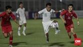 Timnas Indonesia U-19 pesta empat gol ke gawang Hong Kong. Berikut foto-foto pilihan dari laga tersebut.