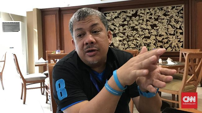 Fahri Hamzah penggagas Partai Gelora saat ditemui di sela-sela acara konsolidasi Partai Gelora di salah satu hotel di kawasan Jakarta Selatan pada Sabtu (9/11). (CNN Indonesia/Martahan Sohuturon)