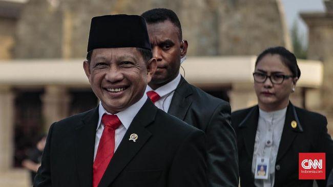 Mendagri Tito Karnavian mengumpulkan ribuan orang, mulai dari kepala daerah dan kepala satuan wilayah TNI, Polri, hingga Kejaksaaan, di Sentul, Bogor.
