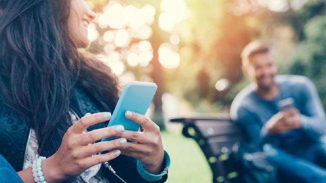 Penelitian di AS menyebut kencan online mendongkrak belanja jomlo, mulai dari krim cukur hingga minyak rambut.