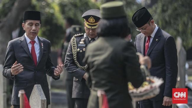 Indonesia memperingati perjuangan para pejuang di Hari Pahlawan 10 November dan merayakannya dengan beragam seremoni.