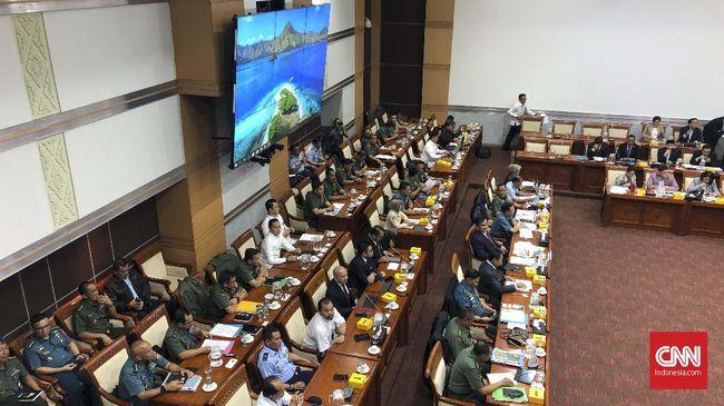 Seluruh anggota Komisi I asal Gerindra hadir saat rapat kerja dengan Prabowo Subianto. Dalam rapat itu, Prabowo hadir bersama wamenhan Sakti Wahyu Trenggono.