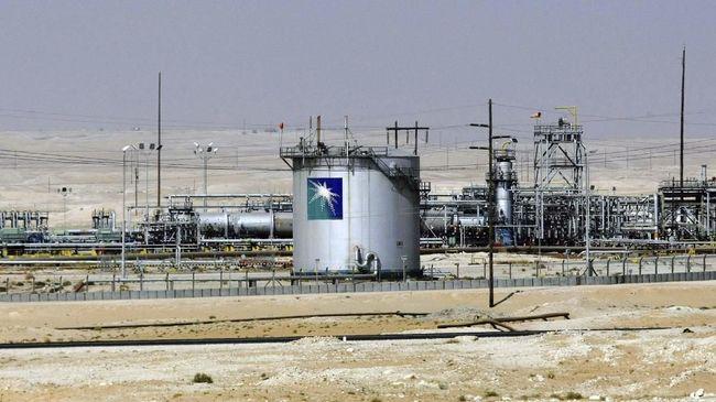 Arab Saudi akan melepas satu persen saham Saudi Aramco kepada investor asing. Penawaran saham lainnya akan dilakukan dalam 1-2 tahun ke depan.