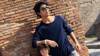 <p>Ketiga anak Shah Rukh Khan ini kompak banget, Bun. (Foto: Instagram @gaurikhan)</p>