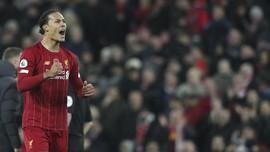 Liverpool Menang, Van Dijk Potong Rumput Stadion Leicester