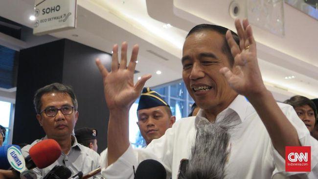 LSI Denny JA mengatakan tren penurunan kepercayaan publik harus dilihat sebagai peringatan kepada Presiden Jokowi.