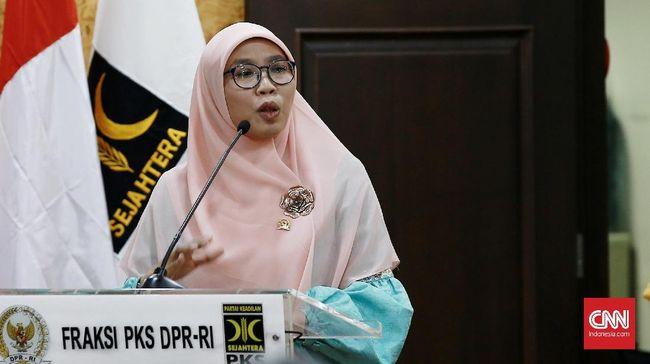 Politikus PKS, Netty Prasetiyani meminta pihak yang terlibat Vaksin Nusantara bisa membuktikan dengan data yang transparan bahwa vaksin tersebut memang aman.