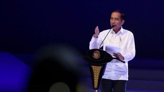 Presiden Jokowi minta Menko Maritim dan Investasi Luhut Panjaitan beserta Kepala BKPM Bahlil Lahadilia tarik investor besi baja.
