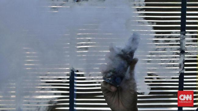 Total ada 10,8 juta batang rokok, 2,55 liter liquid vape, dan 6,2 ribu liter minol dengan nilai keseluruhan sekitar Rp11,3 M yang dimusnahkan Kantor Bea Cukai.