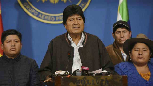 Setelah mundur dari kursi Presiden Bolivia, Evo Morales langsung diberikan suaka oleh Meksiko dan ditawari menjadi presenter di TV Rusia.