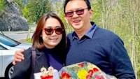 <p>Calon Bunda asal Nganjuk Jawa Timur ini mendapat kado ulang tahun ke-22 dari suaminya tercinta, Ahok. (Foto: Instagram_nastitii)</p>