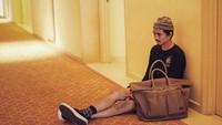 <p>Memiliki dua anak remaja, tak membuat pria asal Yogyakarta ini terlihat menua. Lihat saja gayanya, Bun, tetap dandy dan stylish kan? (Foto: Instagram @duta507)</p>