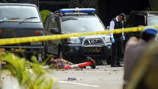 Netizen Serukan #BodohnyaAksiTeror Usai Bom Bunuh Diri Medan