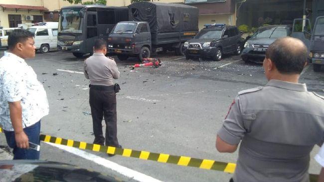 Bom bunuh diri yang meledak di Mapolrestabes Medan, Rabu (13/11) pagi, berada di dekat tempat pengurusan Surat Keterangan Catatan Kepolisian (SKCK).