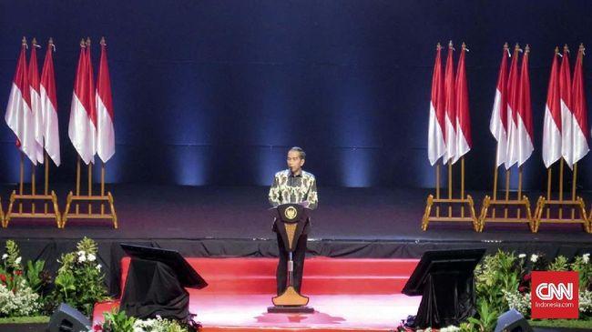 Presiden Joko Widodo meminta kepala daerah untuk tak memperbanyak aturan yang justru makin membuat ruwet pejabat dan masyarakat.