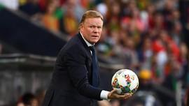 Selangkah Lagi Melatih Barcelona, Koeman Bidik Bintang Ajax