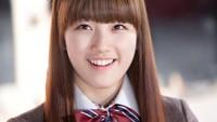 <p>Suzy memulai debut sebagai aktris drama di tahun 2011 dalam serial Dream High. Foto ini diambil ketika Suzy baru membintangi drama Korea tersebut. (Foto: Soompi)</p>