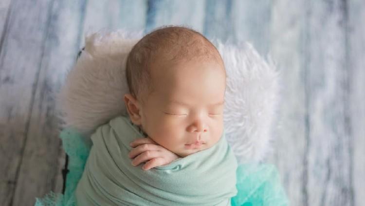 Anak Gibran Rakabuming bernama Lembah Manah yang artinya rendah hati. Intip nama bayi bermakna yang sama selain Lembah Manah.
