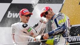 Lorenzo Kenang Keberhasilan Duel Lawan Rossi di MotoGP 2015