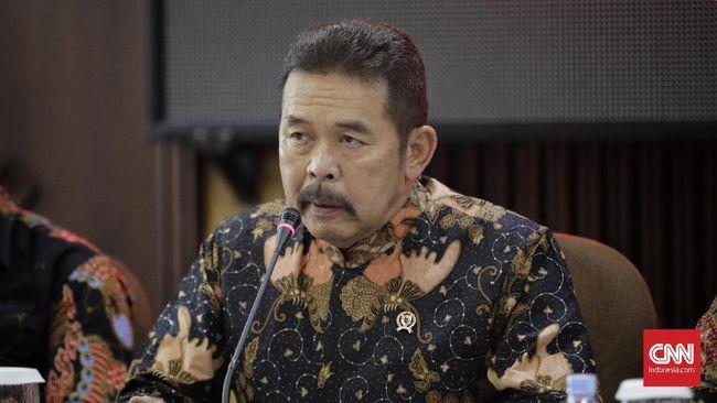 Jaksa Agung ST Burhanuddin mengaku putusan kasasi kasus First Travel bermasalah. Kejagung saat ini berupaya mengembalikan barang bukti ke korban.