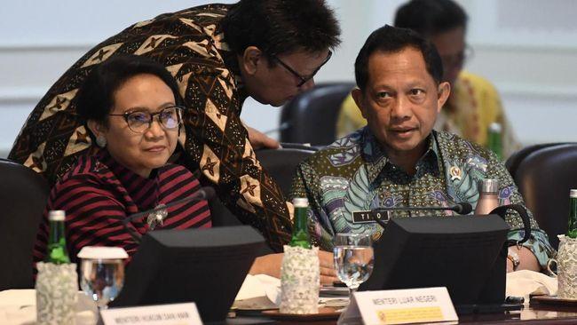 Menteri Dalam Negeri Tito Karnavian mengatakan telah mengajukan penambahan anggaran sekitar Rp15 miliar untuk inovasi Anjungan Dukcapil Mandiri (ADM).
